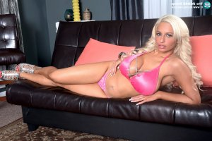 Rejane lollipop escorts in Horsham, UK